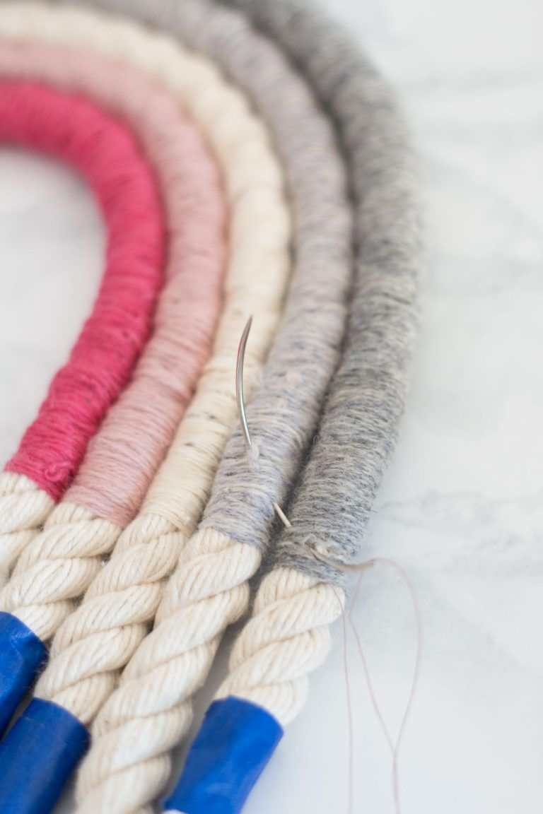 Rope Rainbow Wall Decor // Fibre Art DIY #diywalldecor