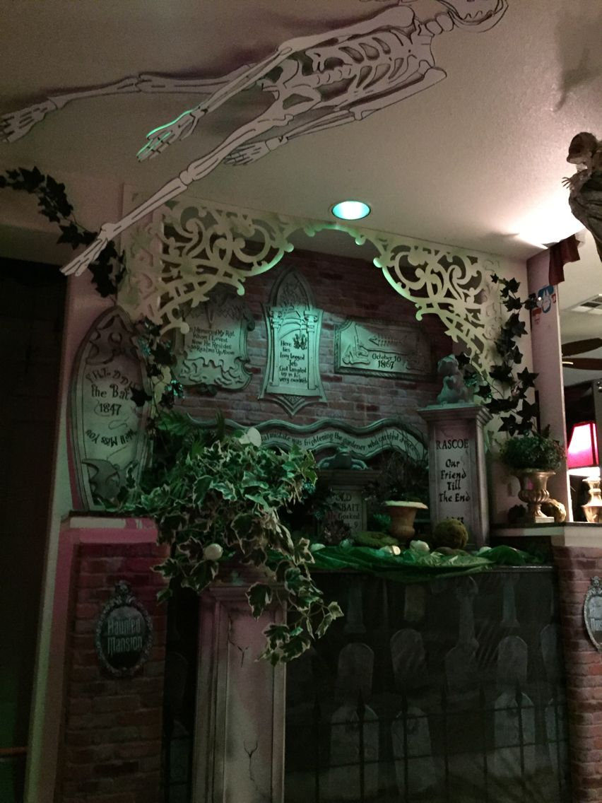 Haunted Mansion Pet Cemetery Halloween 2015 Props