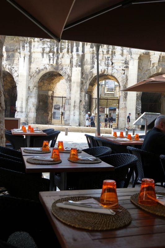 Le Lisita Restaurant Nimes 30000 Gard Restaurant Cuisine Table