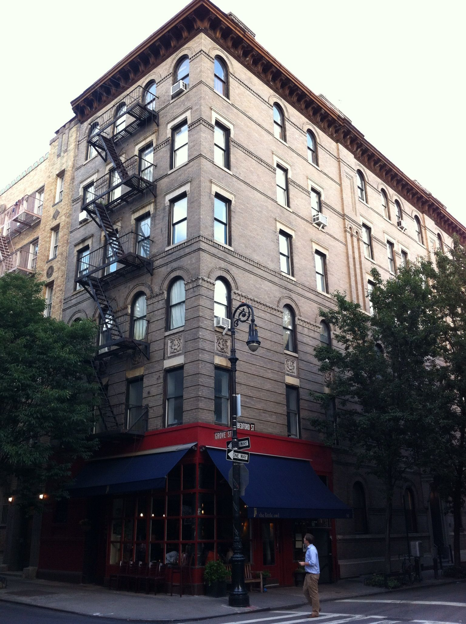 Greenwich Village Friends Apartment Corner Of Bedford And Grove Streets Ny