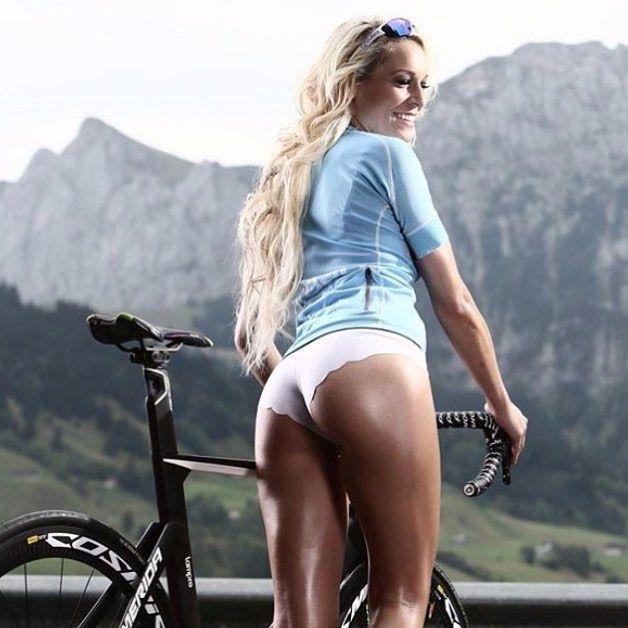 Секси спорт девушки грудь