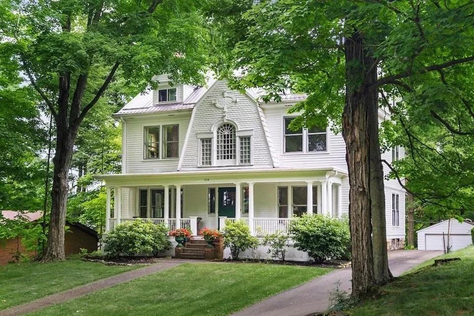 1893 Dutch Colonial For Sale In Granville Ohio Dutch Colonial