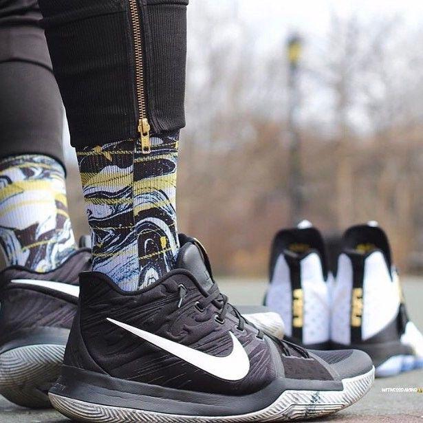 kyrie 3 socks