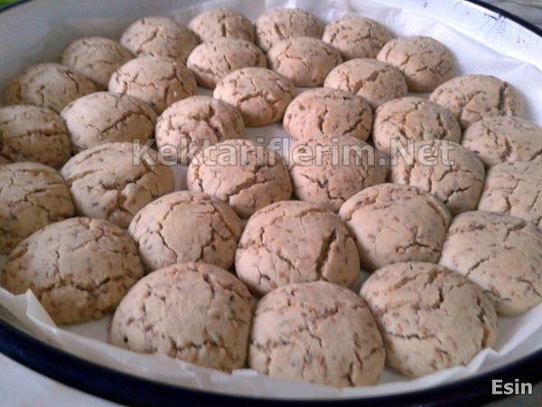Kolay kurabiye tarifi arıyorsanız bu vereceğim kavrulmuş ...