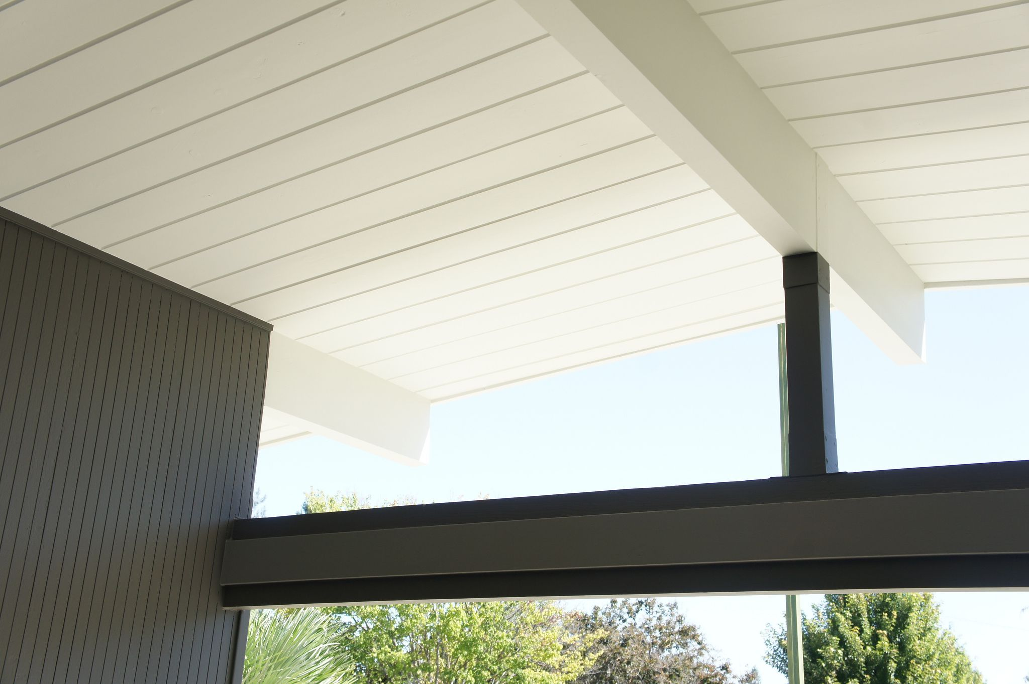 Bright soffits and beams beams