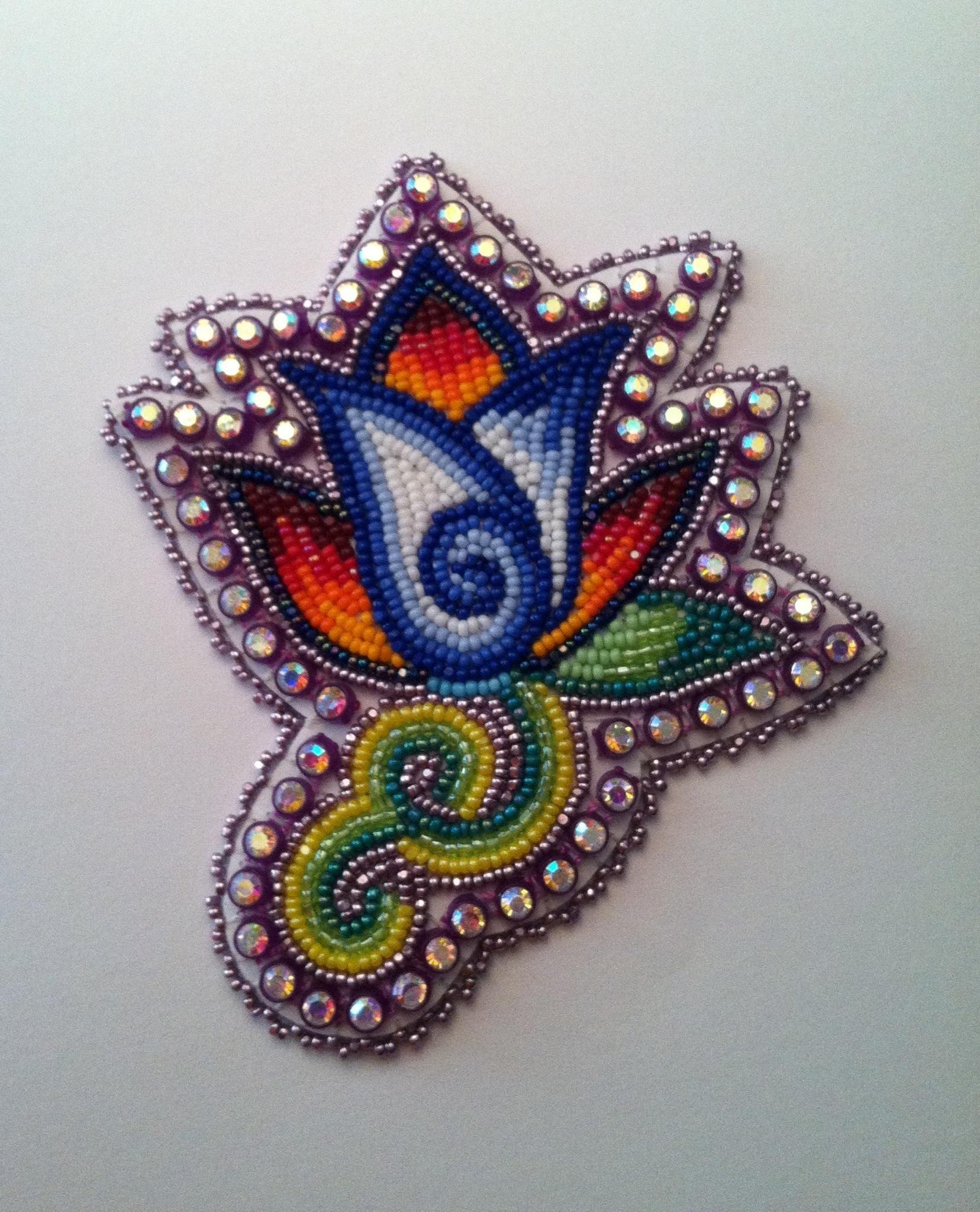 Fleur Jn   Bead work, Beadwork patterns, Native beading
