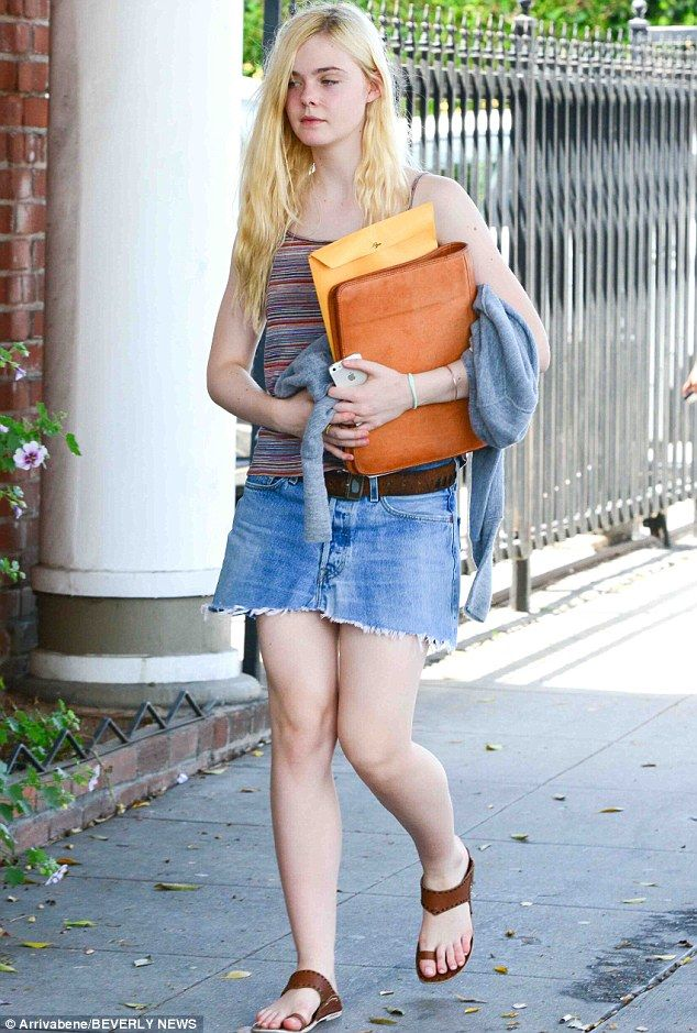 8da4639115d Too cool for school! Elle Fanning looks every inch the California ...