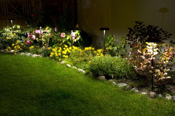 Unika Flowerlight LED Belys Svart - Utomhusbelysning - Rusta | Uteplats FR-68