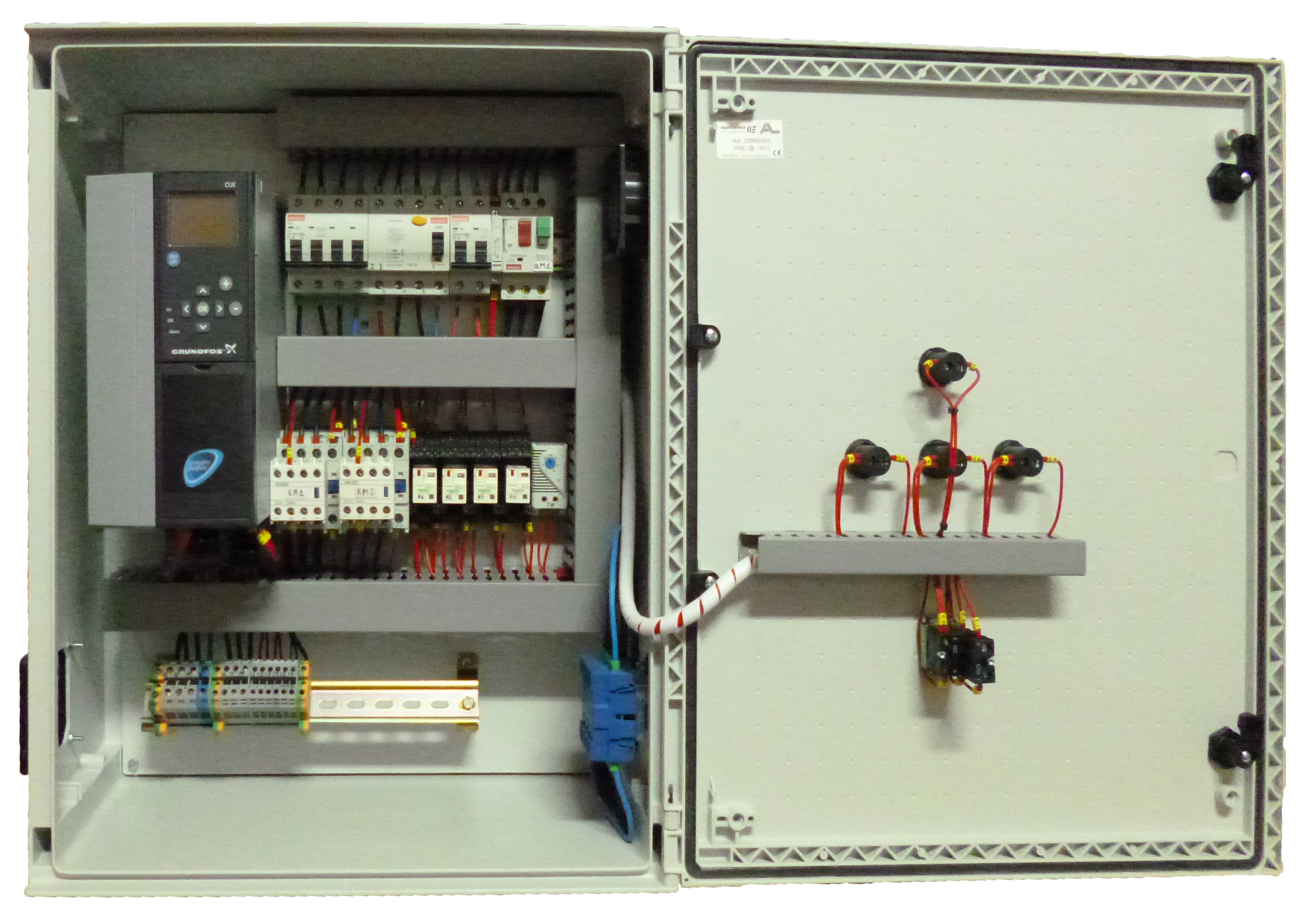 Cuadro Elctrico En Armario De Polister Para 1 Motobomba Trifsica Detectors Gt Various Circuits Power Loss Detector L11996 Nextgr A 400vca Funcionamiento Automtico