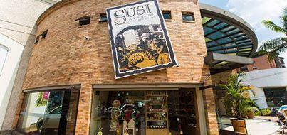 Vive la experiencia Susi panadería Artesanal, Visítanos en la carrera 32 1B Sur 51 Mall Ventura –Medellín y deléitate con nuestros productos.