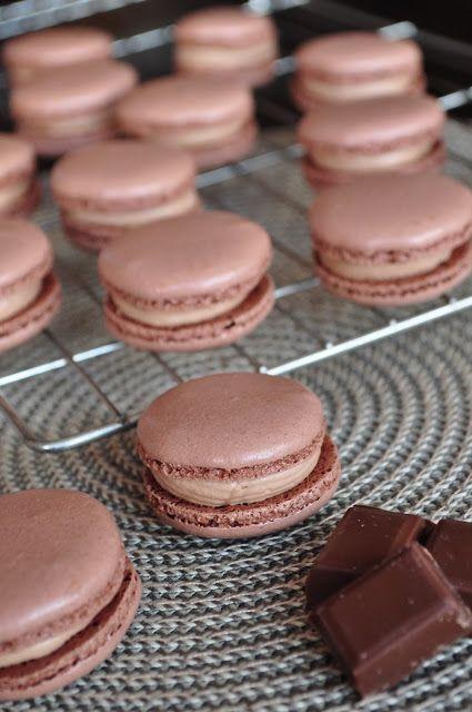 Les Chtis Gateaux D Herve Macarons Chocolat Au Lait Yuzu Les