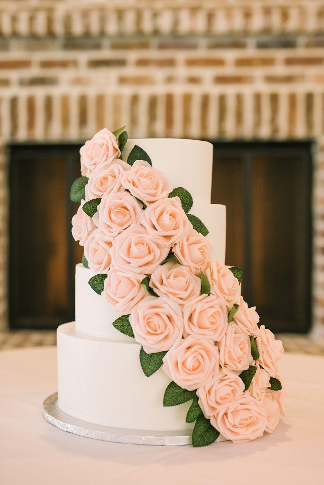 Wedding Venue Rockwall Manor Wedding Cake Fresh Flowers Cool