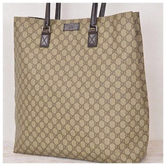 b078712bc16 Gucci shopper tote GUCCI Vintage Shopper Tote. This is a big bag ready to  fill with a ton of goodies. Perfect for shopping