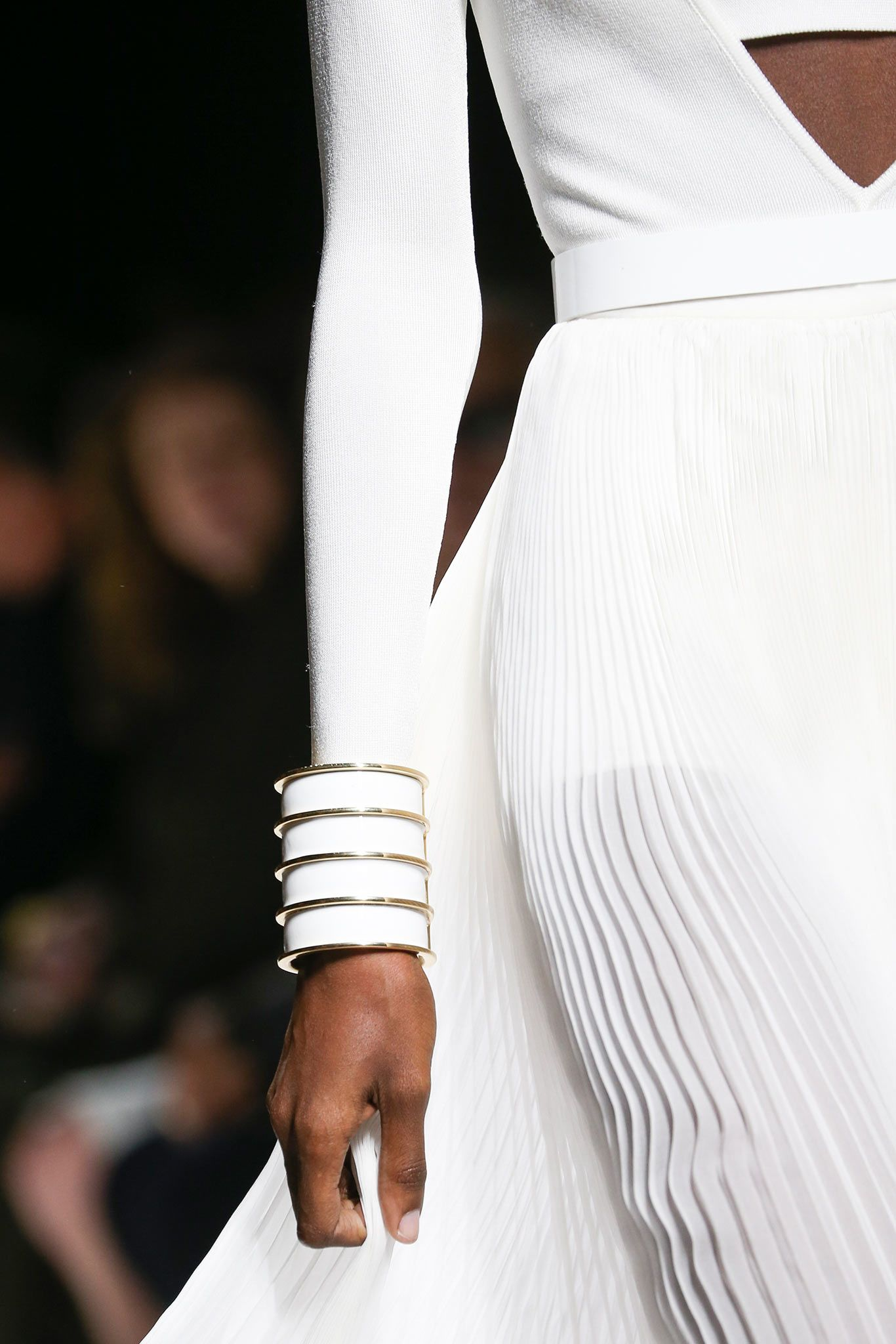 Balmain Spring 2015 Ready-to-Wear - Details - Gallery - Look 1 - Style.com #ranitasobanska #fashion #inspirations