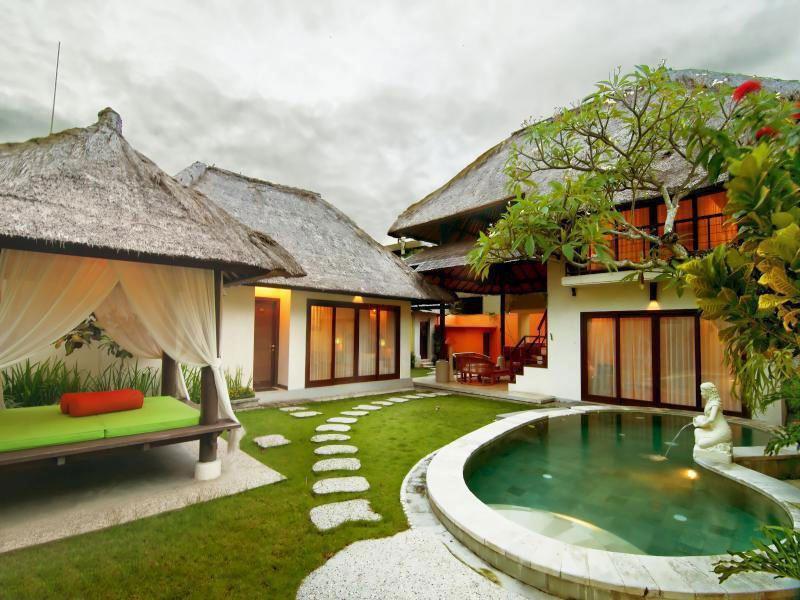 Berlibur Berdua Pasangan Di Bali Akan Lebih Spesial Dan Romantis Jika Menginap Vila Yang Dilengkapi