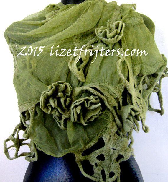 Grüne Verfilzte Tuch mit Blumen von lizetfrijters auf Etsy