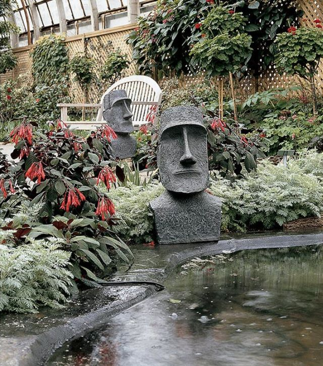 Weird And Unusual Garden Sculptures (16 Pics)
