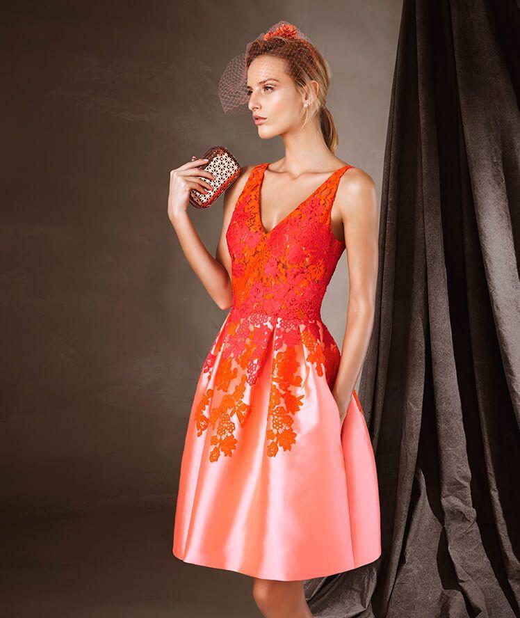 CAPUCINE - Kurzes Kleid mit ausgestelltem Rock von Pronovias ...