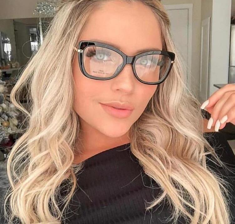 Oculos De Grau Quadrado Preto Feminino Haste Dourada Em 2020