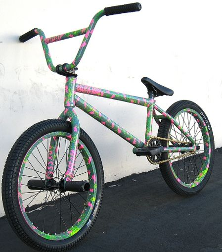 Gallery of spray painted bikes, this reminds me of something LB ...