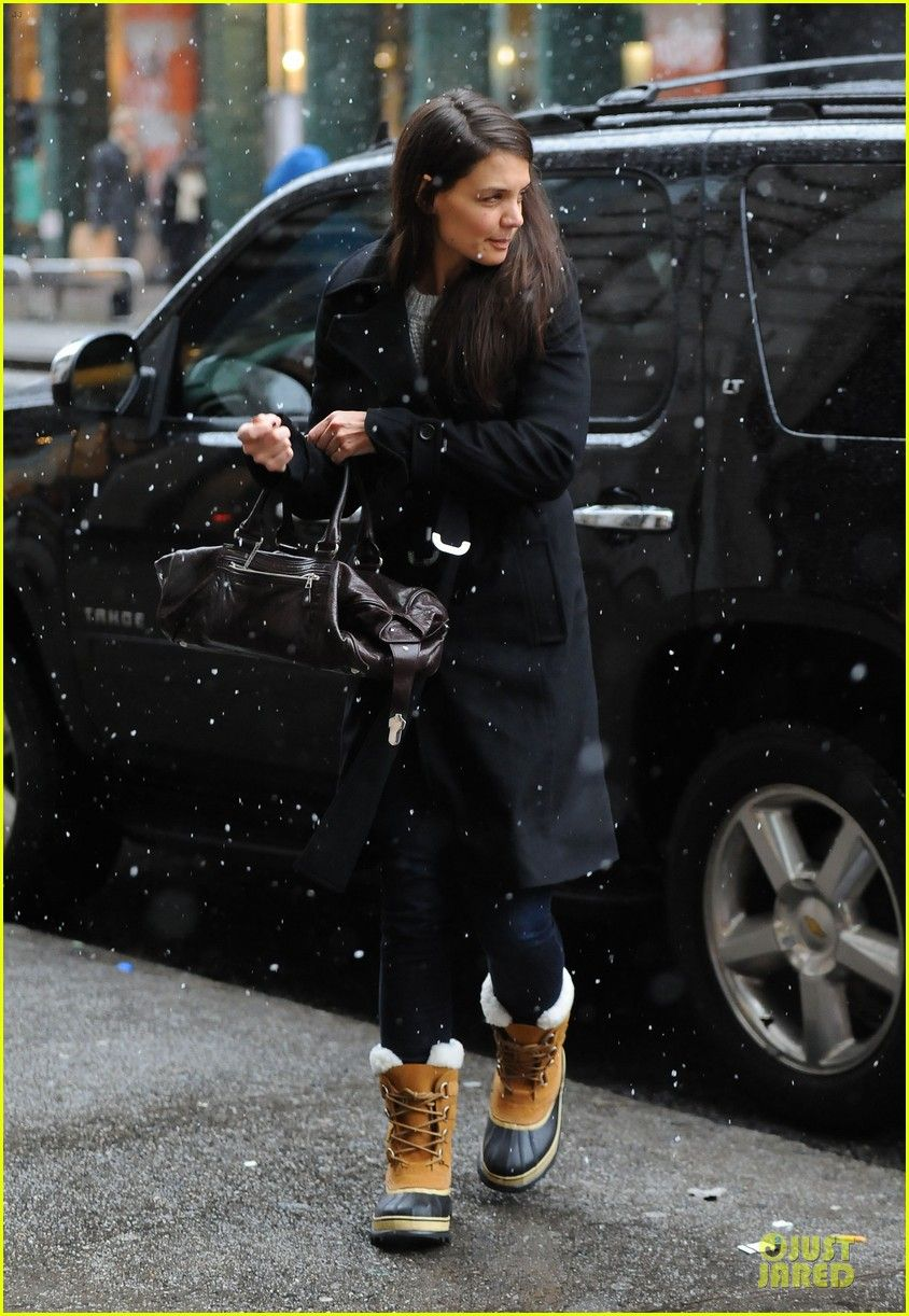 Katie Holmes in the SOREL Caribou Boot.