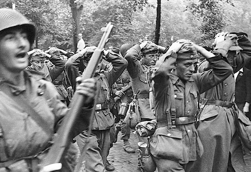 German Soldiers Surrendered In Captivity Of The American Army Normandy World War American Soldiers World War Two
