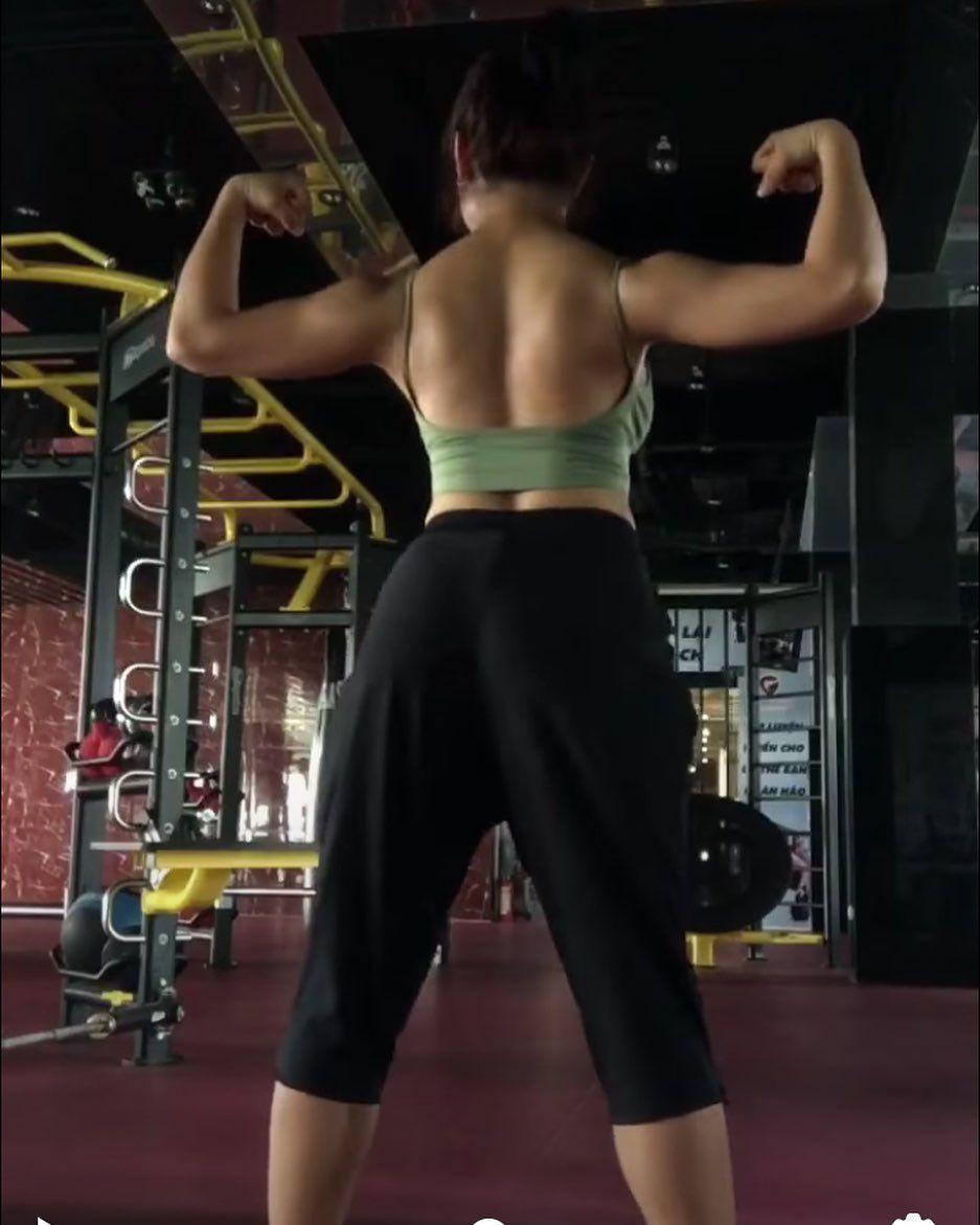My back😋😋😋 #gymgirl #gymgirl #gym #fitnessmotivation #fitness #fitnessgirl