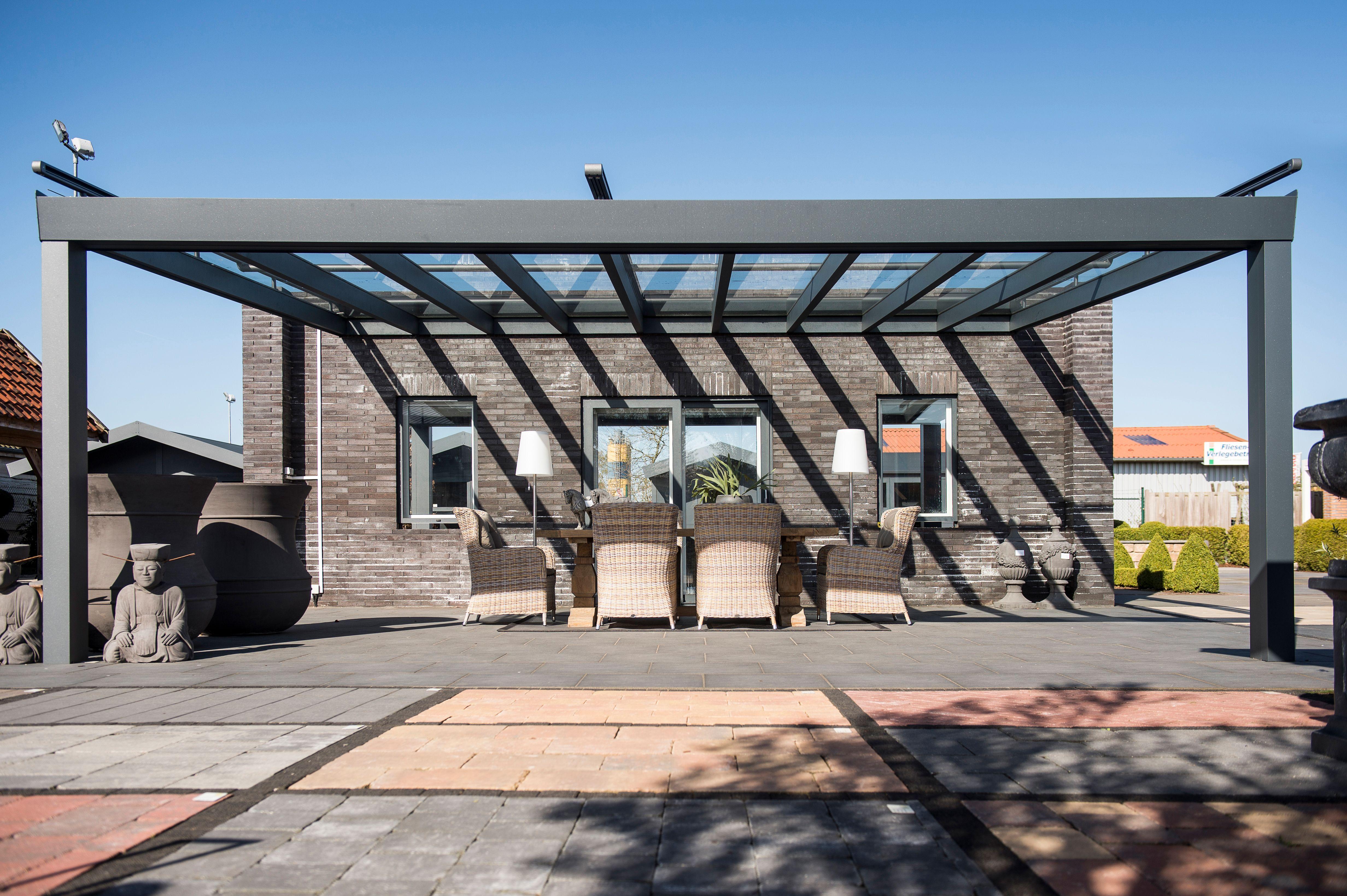 Große Terrassenüberdachung Aus Aluminium In Anthrazit QS - Große terrassen fliesen