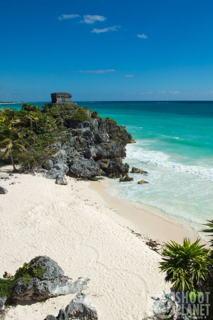Famous, pre-Columbian Tulum Mayan temple of the god of the winds, above the turquoise Caribbean Sea and an idyllic, deserted white sand beach, in Mexico. More about gorgeous mexico in the link! #travelling #travel #cityscape #city #architecture #Earthpic #TravelTheWorld #photographylovers #travelling #travelblog #globetrotter #travelphoto #travels #landscapelovers #shootplanet