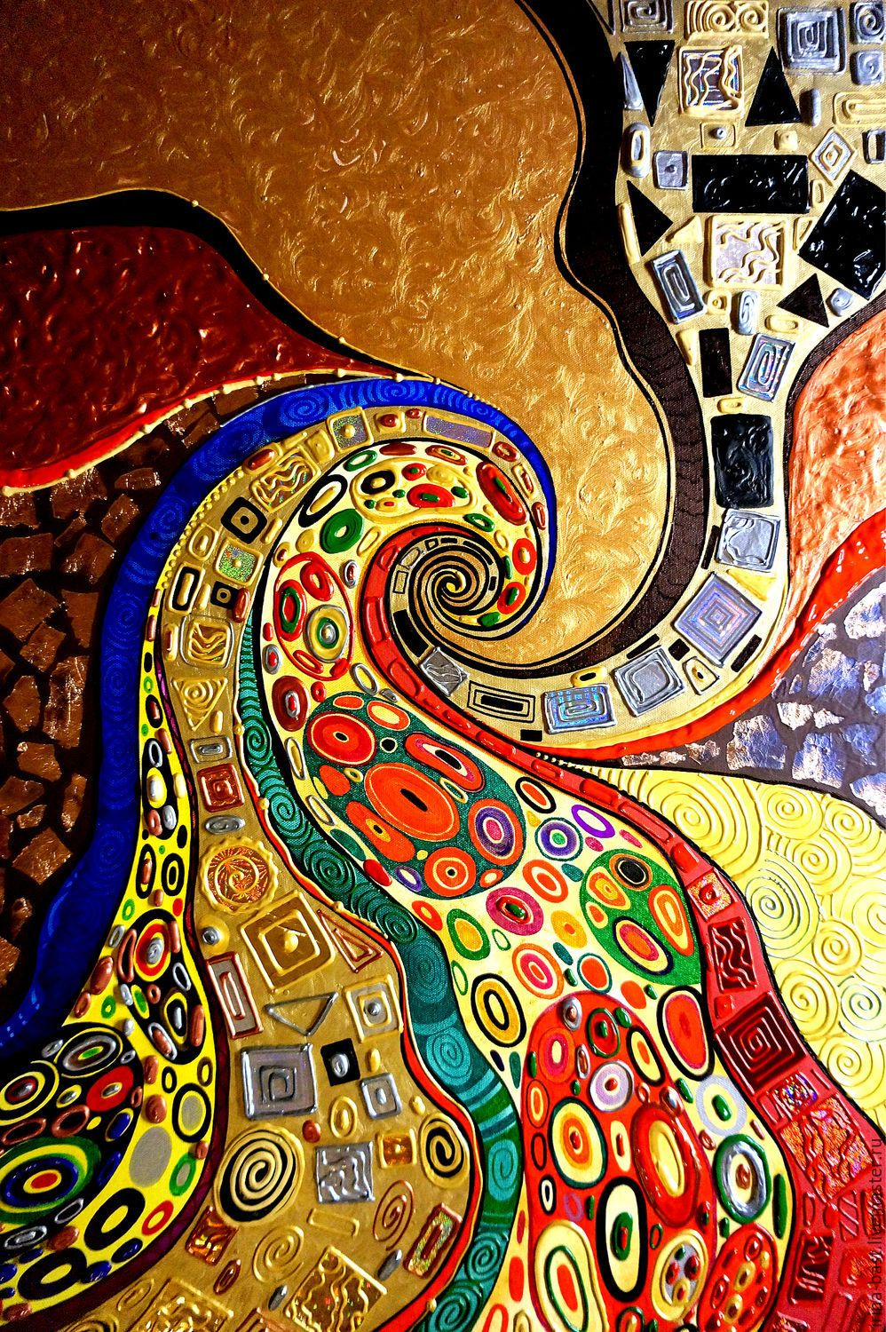 A bright abstract painting in the gold potal Klimt. Kiss ...
