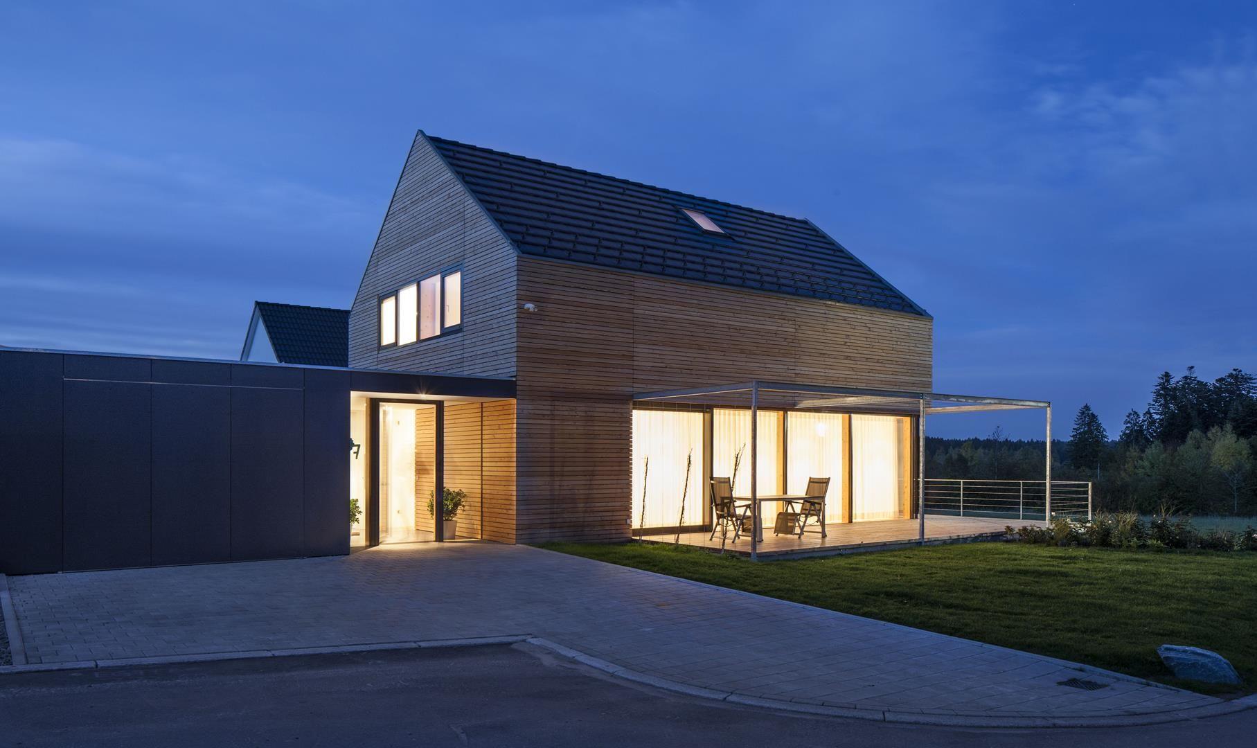 Holzhaus modern villingen 03 haus pinterest modernes for Modernes haus in hanglage