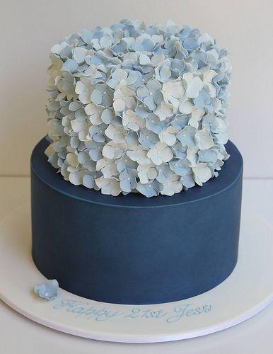 2 Tier Hydrangea Cake Cake In 2019 Hochzeitstorte