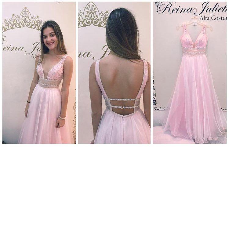 """158 Me gusta, 5 comentarios - Reina Juliette (@reinajuliette) en Instagram: """"Nuestra bella reina en rosa #handmade #novia #15años #quinceañeras #cortejos #bautismo #invitadas"""""""