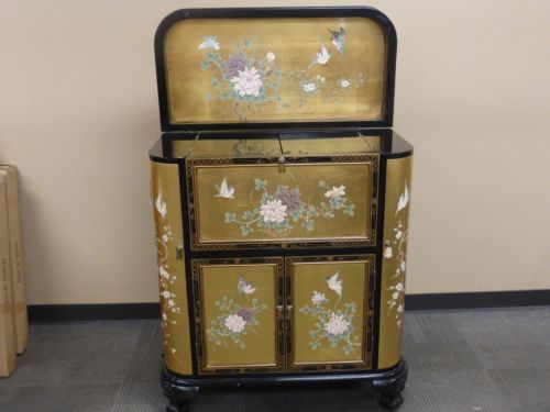 Oriental Asian Anese Chinese Black And Golden Lacquer Liquor Bar Cabinet Ebay