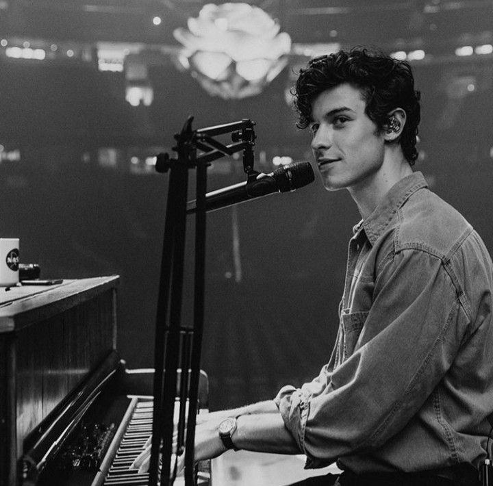Boys Shawn Mendes #boy #boys #men #chico #chicos #hottie #jawline #guapo #lindo #pretty #beauty #atractivo #atractive #goals #boygoals #boysgoals #chicogoals #chicosguapos #chicogoals #tumblr #shawnmendes #ShawnMendes