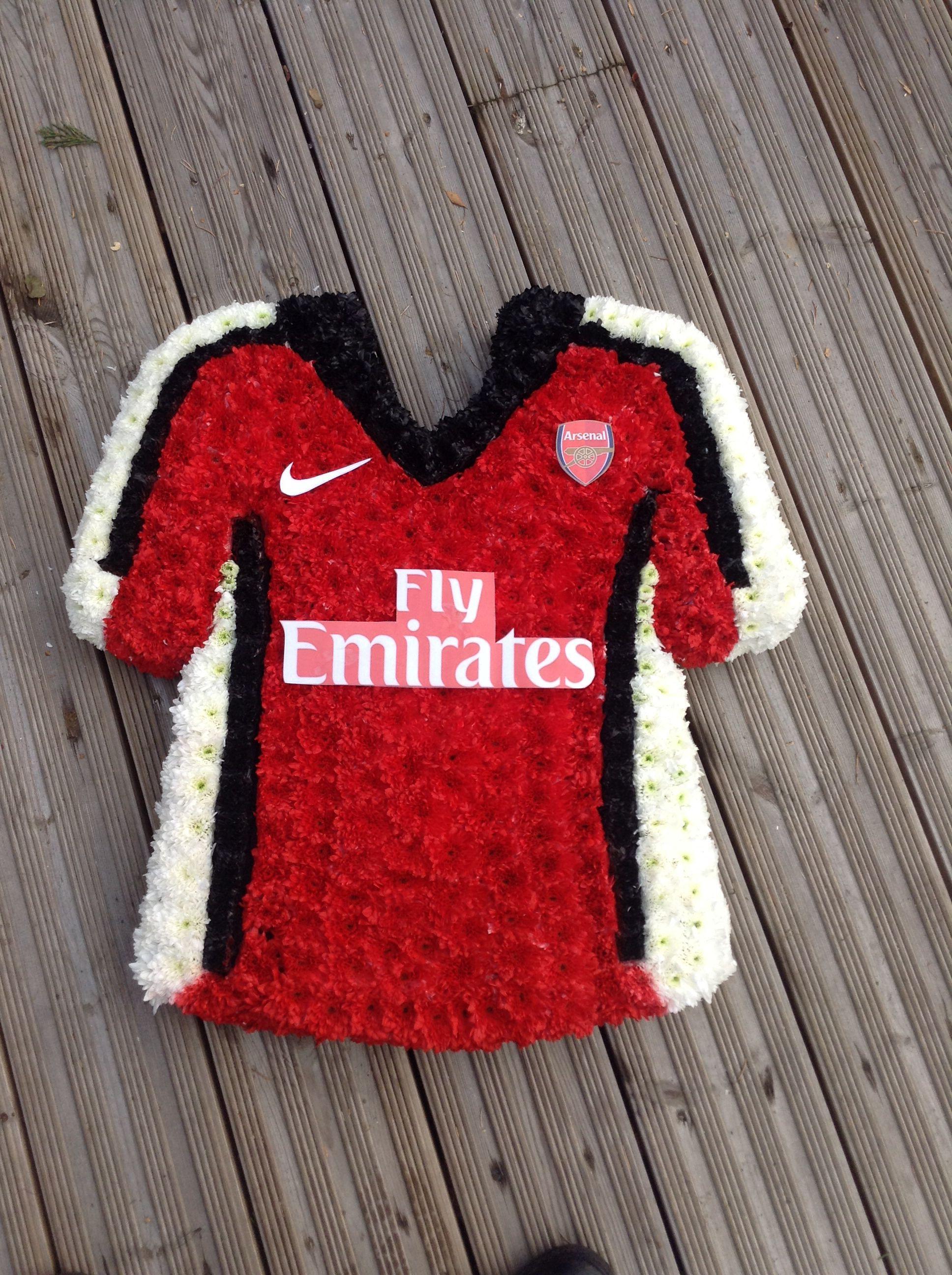 Arsenal football shirt funeral tribute thefloralartstudio arsenal football shirt funeral tribute thefloralartstudio izmirmasajfo