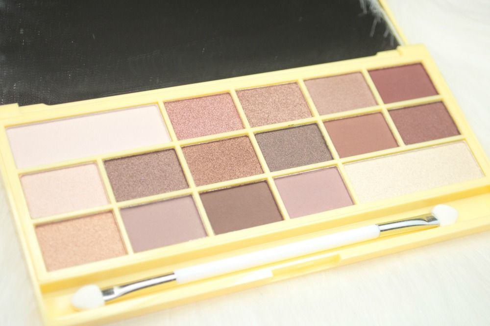 White Makeup Palette | Makeup Revolution I ♡ Makeup Naked Chocolate Eyeshadow Palette