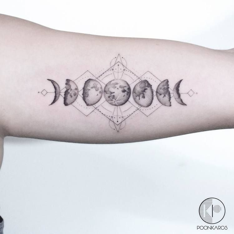 44 Fine Line Black And Grey Tattoos By Poonkaros Moon Phases Tattoo Cosmic Tattoo Moon Cycle Tattoo