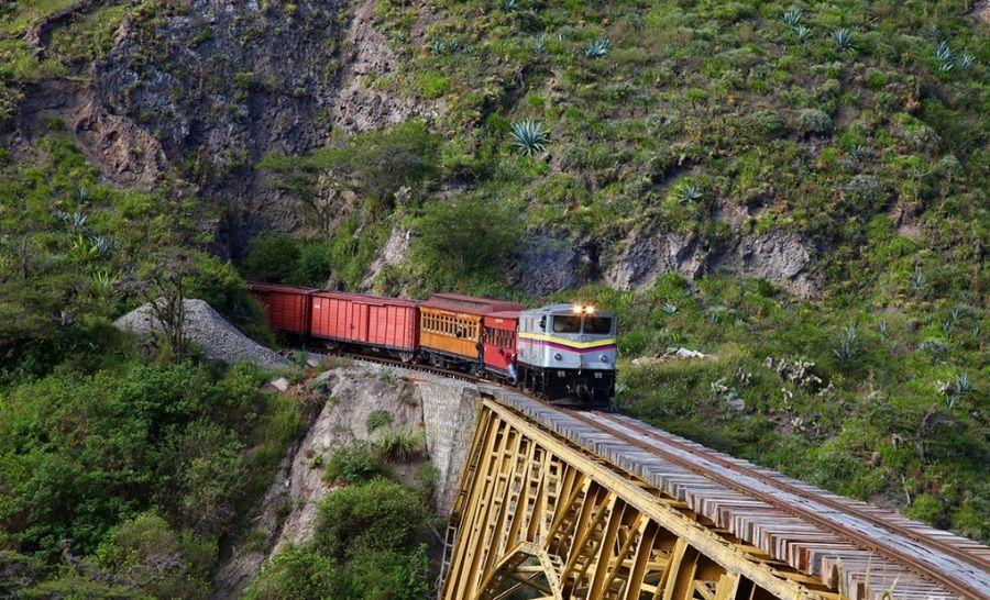 Treno della Libertà, Ecuador. Collega le città di Otavalo
