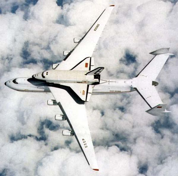 an-225 with buran shuttle on top