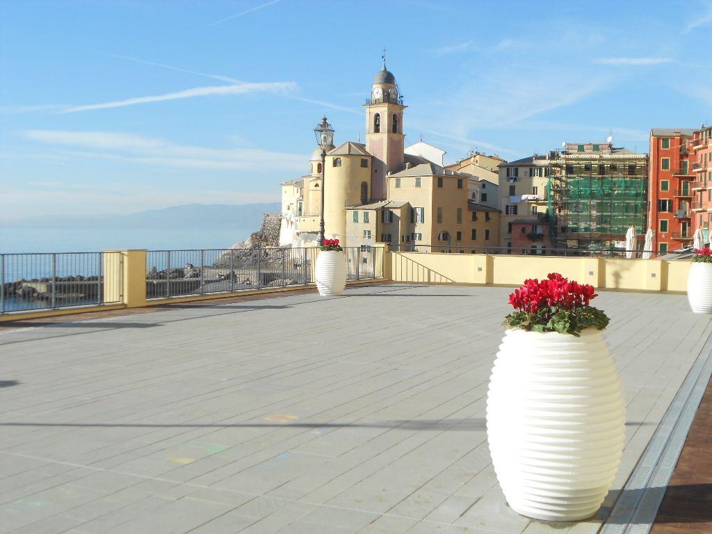 www.serralunga.com #terrace #terrazzo #pots #outdoordesign #outdoor ...