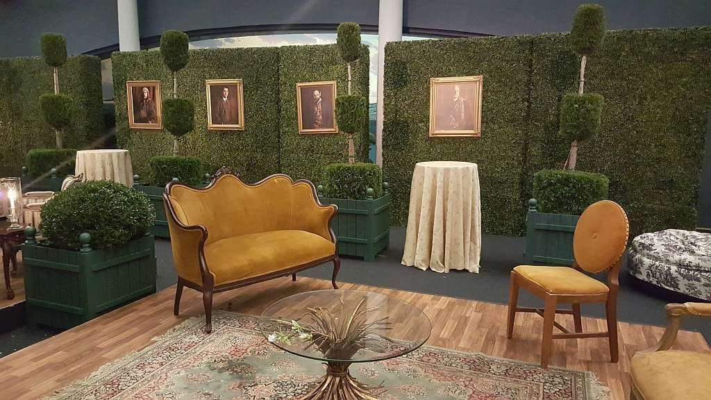 rent hedge walls interior foliage design outdoor on interior using artificial boxwood panels with flowers id=33745