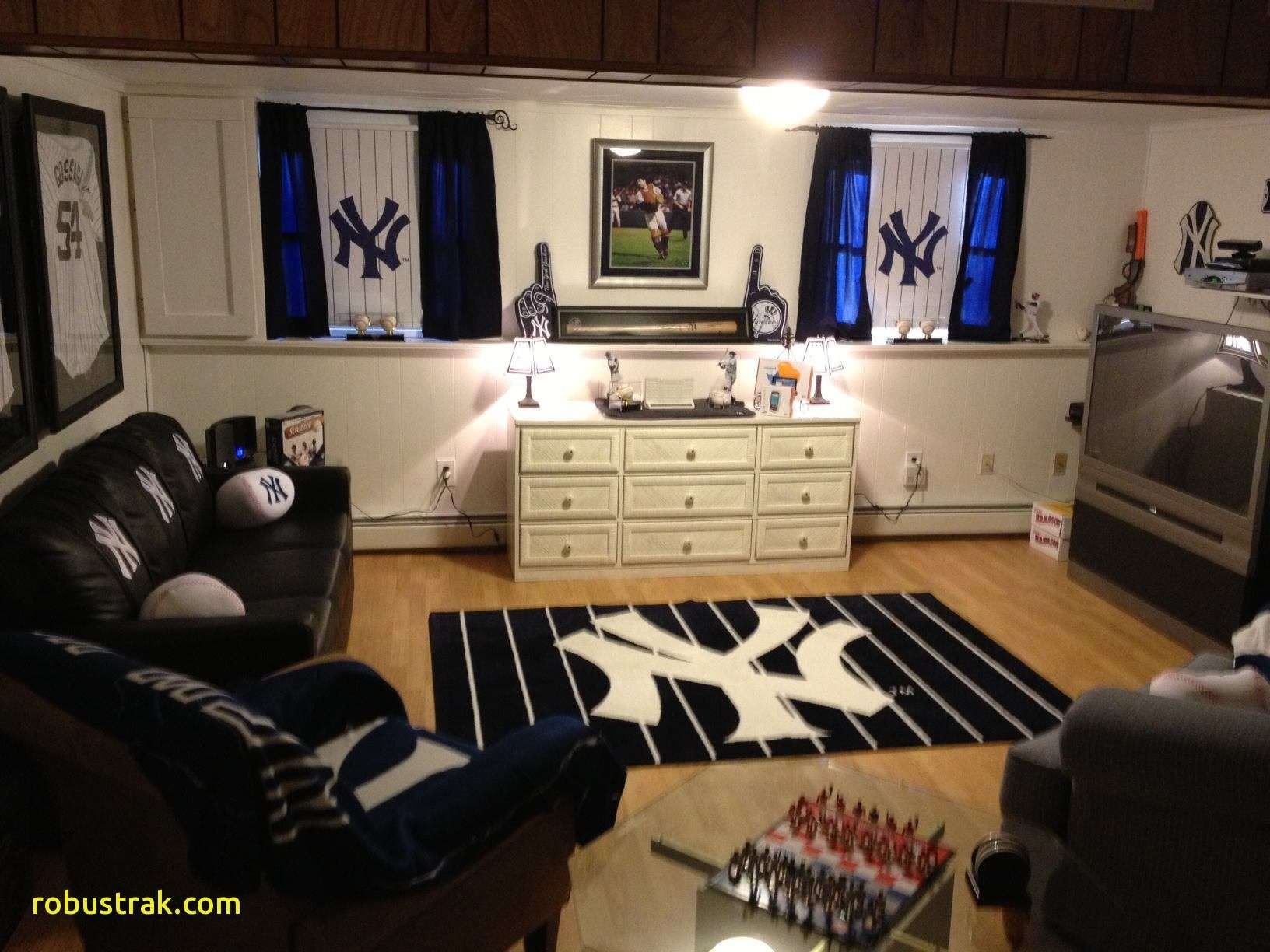 New York Yankees Room Design And Much More Below Tags Ny Yankees Room Yankee Room Yankee Bedroom Ny yankees bathroom decor