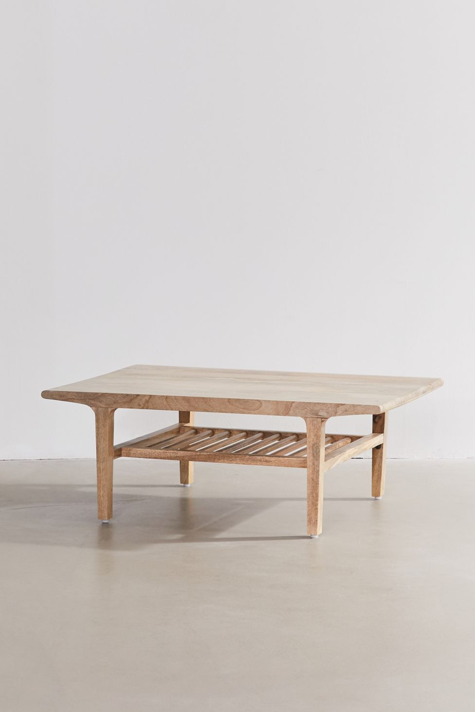 Hope Round Coffee Table Urban Outfitters Round Coffee Table Coffee Table White Round Coffee Table [ 1463 x 975 Pixel ]