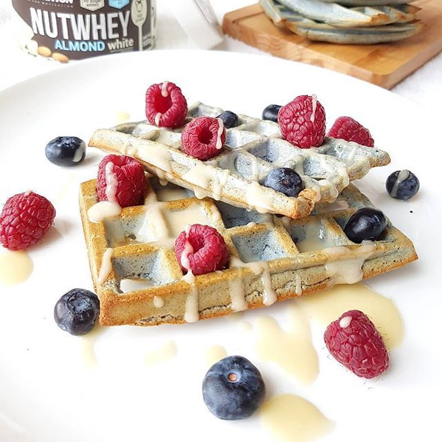 [PL] Its waffle sunday!!  But not just any waffles! High in protein  and cooked in the  [PL] Its waffle sunday!!  But not just any waffles! High in protein  and cooked in the oven! Who wants a bite?   PROTEIN WAFFLES 40g oats 30g protein powder (I used chocolate cookies flavour) 1 egg 1 tsp flaxseed meal 100ml milk 1 tsp blue spirulina powder from @unicornsuperfoods (for that blue colour ) Blend oats. Seperate egg yolk from egg white. In a bowl mix egg yolk with milk blended oats and flaxseed me #flaxseedmealrecipes