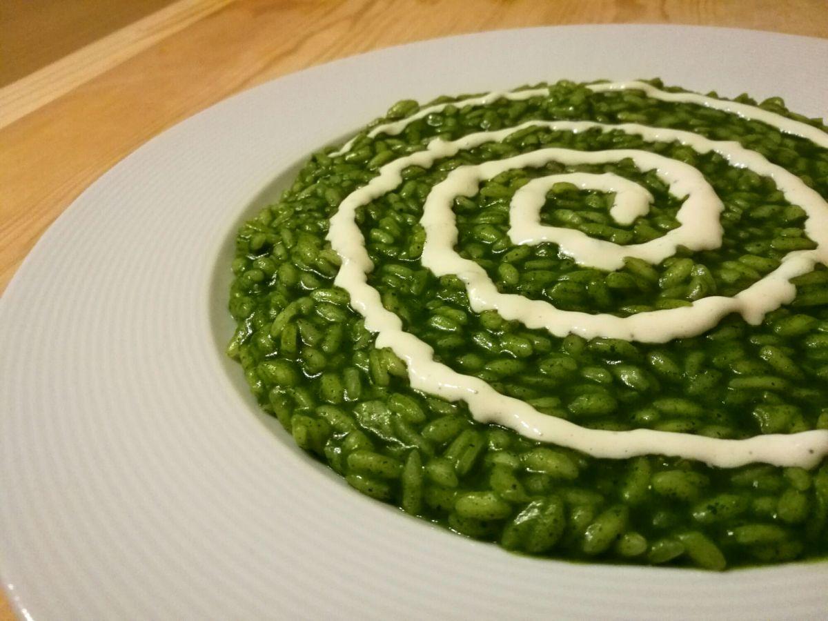 Risotto alle ortiche risotto ortica e cibo e bevande for Cucinare ortica