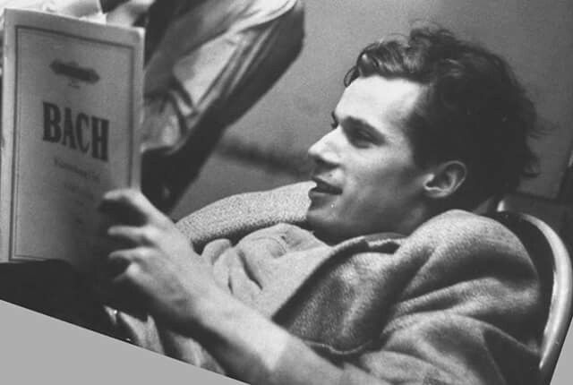 Glenn Gould. Photographer unknown.