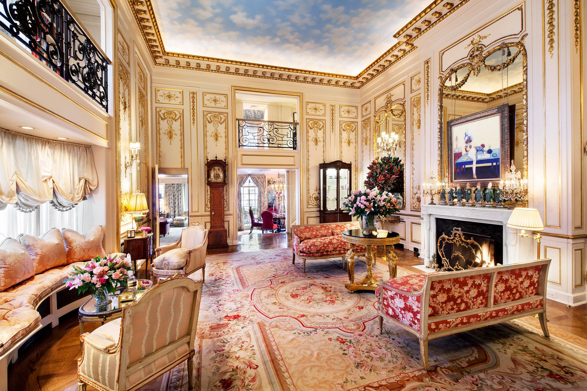 Penthouse Owned by Joan Rivers Sold for $28 Million - The New York Times