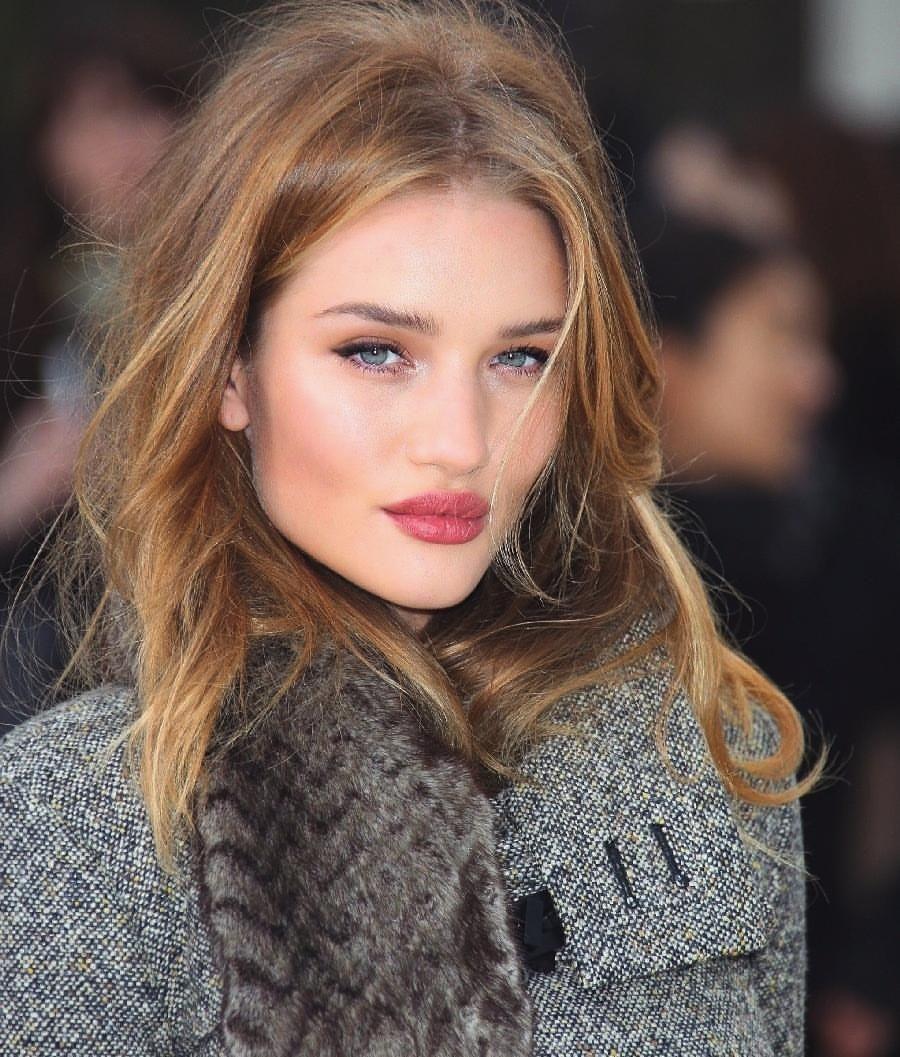 rosie huntingtonwhiteleys gorgeous natural makeup