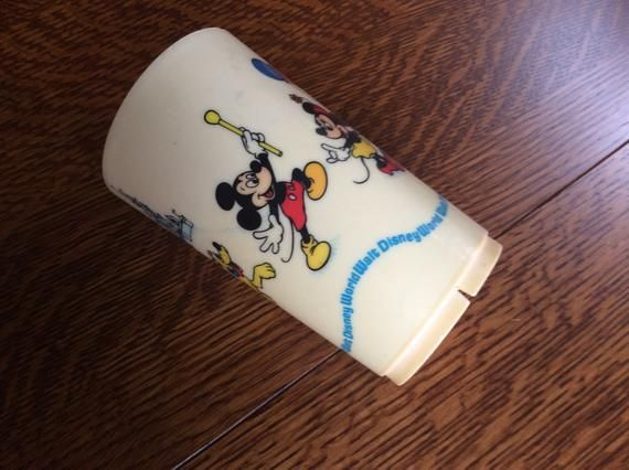 Deka Walt Disney World Small Plastic Cup // Made in USA // Disney Memorabilia // Donald Duck /Disney Cup // Mickey Mouse // Goofy // Pluto #disneycups Deka Walt Disney World Small Plastic Cup // Made in USA // Disney Memorabilia // Donald Duck /Disney Cup // Mickey Mouse  // Goofy // Pluto  What collection is complete without a Walt Disney World Souvenir? #disneycups